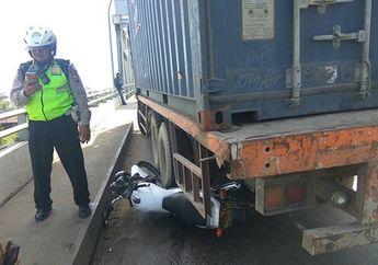Gak Heran Polisi Rela Motornya Tergilas Truk, Seperti Ini Ramainya Jembatan Kapuas 2