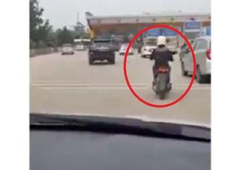 Video Pemotor Nekat Masuk Jalan Tol, Ditanya Pengendara Mobil Malah Bingung