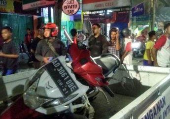 Sopir Mabuk, Truk Oleng Dan Tabrak Motor Honda BeAT Dari Lawan Arah