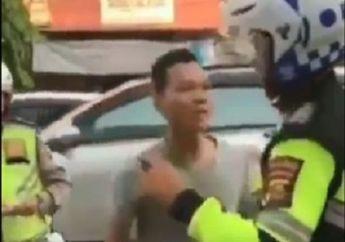 Video Detik-detik Pemotor Nekat Dorong dan Bentak Polisi, Surat Tilang Nyaris Direbut