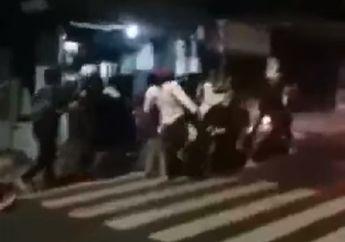 Puluhan Warga Geram, Gengster Ditangkap dan Injak-injak di Jalanan, Pelaku Nangis Ketakutan