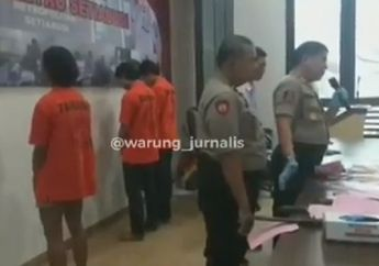 Video Polisi Pajang Pelaku Pembunuhan Peserta Sahur on The Road, Celurit Berdarah Disita
