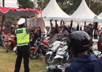 Kenapa Nih? Video Pemotor di Jalur Pantura Digiring Masuk ke Markas Brimob di Kota Pekalongan