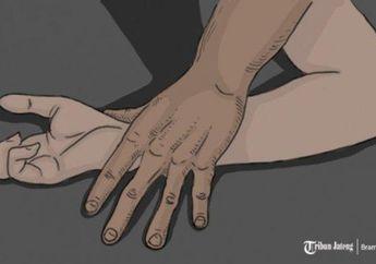 Waduh, Terlilit Hutang Uang Sewa Motor, 2 Gadis ABG Malah Diajak Wik-wik Sama Kakek Berumur 70 Tahun