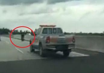 Video Kejar-kejaran Pemotor Dengan Petugas Patroli di Jalan Tol Medan, Mobil Petugas Kalah Kencang