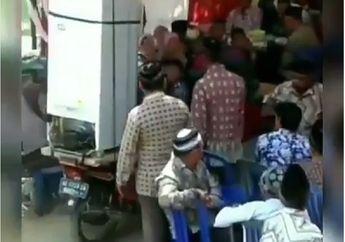 Gokil, Video Pemotor Nekat Terobos Pesta Pernikahan Yang Blokir Jalan, Netizen Salut