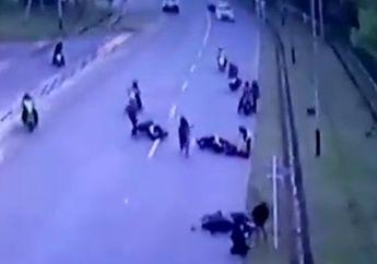 Ngeri Video Kecelakaan Beruntun 3 Motor, Satu Orang Meninggal