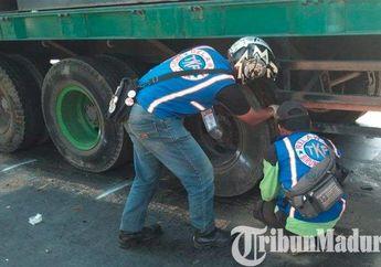 Tragis, Pemotor Wanita Bonceng Tiga, Semuanya Tewas Terlindas Truk Kontainer