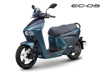 Keren Motor Matic Baru Yamaha, Desainnya Unik, Yamaha NMAX Sih Lewat