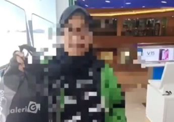 Ngeri, Video Oknum Driver Ojol Tega Jual Orderan Handphone Customernya