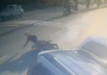 Video Detik-detik Pengendara Kawasaki Z250 Terpelanting, Ban Selip Motor Rebah di Aspal