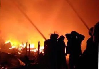 Pedagang Motor Bekas Hanya Bisa Pasrah, Rumahnya Terbakar 4 Motor Dagangannya Hangus Terbakar