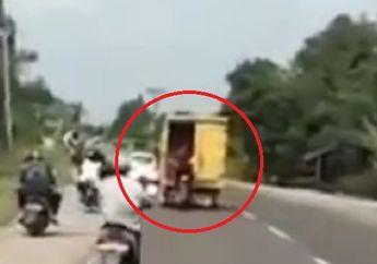 Pemotor Gak Berani Teriak, Video Komplotan Bajing Loncat Beraksi Gasak Mobil Box, Barang-barang Dikuras