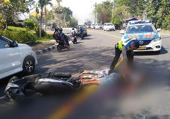 Miris, Satu Keluarga Kecelakaan Naik Sepeda Motor, Tiga Orang Tergeletak di Tengah Jalan
