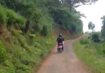 Video Skutik Adventure Honda ADV150 Digas Naik Gunung Ciremai Ringan Melibas Jalan Tanah