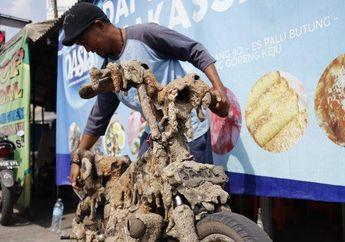 Kreatif Banget! Nih Modifikasi Motor Pakai Limbah Sampah di Pinggir Jalan