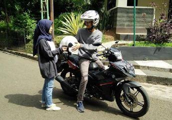 Street Manners: Boncenger Tanpa Helm Bukan Cuma Ditilang, Dendanya Bisa Dua Kali Lipat