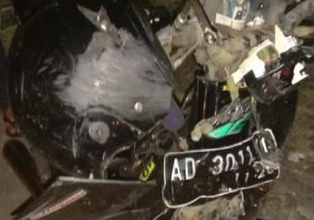 Warga Kaget, Honda Astrea Grand Gak Berbentuk Hantam Truk, Pemotor Luka Parah Terseret di Aspal