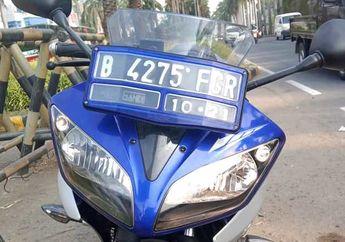 Heboh Biker Yamaha R15 Ditilang Polisi Gara-gara Lampu Nyala Sebelah, Begini Komentar Yamaha