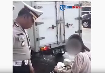 Gak Kenakan Helm, Video Pemotor Wanita Mewek Ditilang Polisi