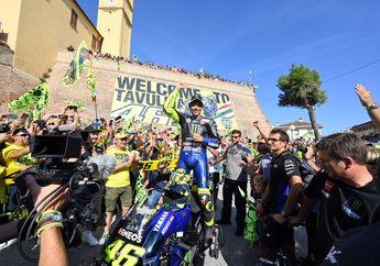Mimpi Masa Kanak-Kanak, Video Senangnya Valentino Rossi Naik Motor MotoGP Muter-muter Tavullia