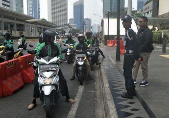 Pemotor Masih Bandel Lewat Jalur Sepeda, Driver Ojol: Soalnya Tidak Ada Tandanya Ini Jalur Sepeda