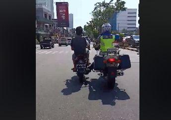 Baik Banget, Polisi Ini Bantuin Stut Motor Warga yang Mogok Sampai ke Bengkel