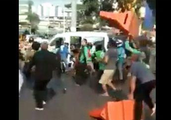 Dipukul dan Ditimpa Pembatas Jalan Oleh Ojol dan Warga, Petugas Dishub  Babak Belur, Ini Alasannya