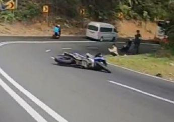 Video Pemotor Yamaha MX King 150 Lowside, Pesepeda Kopassus Bantu Evakuasi Korban