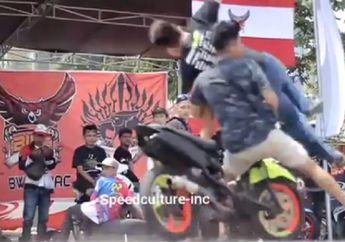 Serem, Video Detik-detik Penonton Tertabrak Yamaha Mio di Depan Padock, Korban Terkapar di Aspal