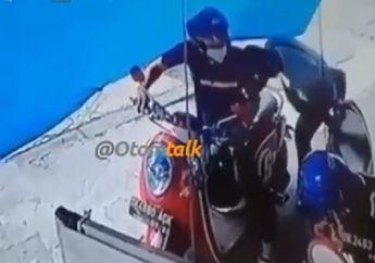 Cepet Banget, Video Maling Gasak Dompet di Bawah Jok Motor, Bukan Kasus Baru