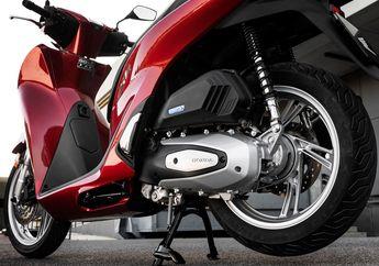 Dikabarkan Pakai Mesin Baru, All New Honda PCX 150 Bakal Lebih Bertenaga dari Yamaha All New NMAX?