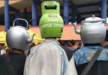 Demam Pengguna Helm Unik Berbentuk Tabung Gas sampai Teko, Kena Tilang Polisi Gak Nih?