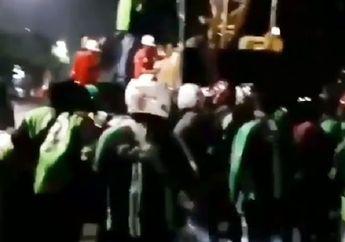 Pasar Minggu Mencekam, Video Puluhan Driver Ojol dan Warga Ngamuk Hancurkan Mobil, Pistol Ikut Diamankan