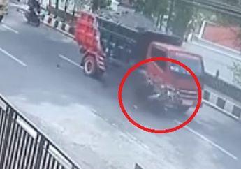 Ngeri! Video Pengendara Motor Adu Banteng dengan Truk, Korban Langsung Terkapar di Jalanan