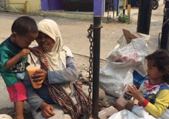 Banjir Do'a dari Netizen untuk Driver Ojek Online, Gara-gara Aksi Enggak Terduga yang Dilakukan Kepada Pengemis dan 2 Anaknya di Pinggir Jalan
