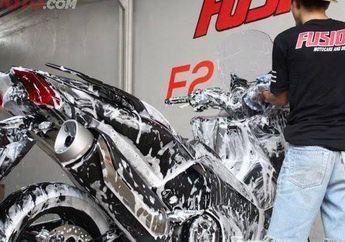 Gak Asal, Begini Cara Kembalikan Warna Cat Motor Setelah Terendam Banjir