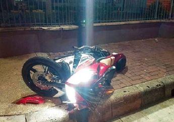 Jakarta Selatan Mencekam, Kecelakaan Maut Yamaha R15 Tabrak Pagar Apartemen, Penumpang Tewas Seketika