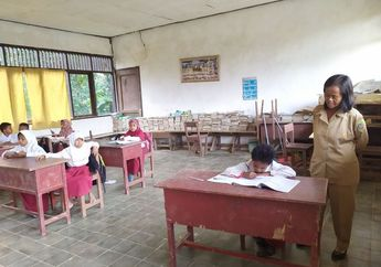 Hati Bagai Tersayat, Perayaan Hari Guru Nasional di Seluruh Indonesia, Ada Pengajar yang Gajinya Setara Harga Sebotol Oli Motor