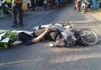 Jalanan Langsung Macet, Pengendara Honda Revo Tutup Usia Terlindas Dump Truk, Setang Motor Oleng Usai Menyalip