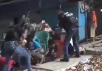 Jelambar Geger, Polisi Bersenjata Laras Panjang Ringkus 11 Debt Collector, Sering Ancam Penunggak Cicilan Pakai Pistol