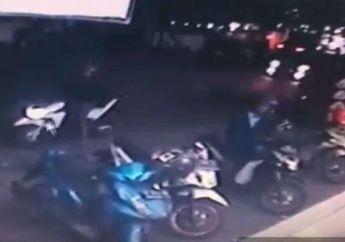 Gokil, Maling Motor di Surabaya Cuma Butuh 15 Detik Untuk Mencuri Motor Honda BeAT di Toko Swalayan, Sempat Terekam CCTV