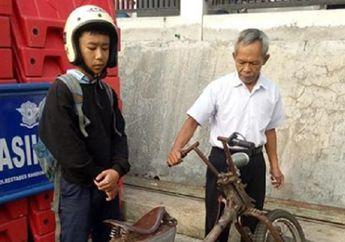 Pelajar Sekolah Tertunduk Lesu Terjaring Razia di Bandung, Petugas Sampai Enggak Tahu Merek Motornya Apa
