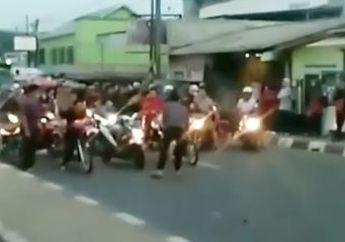 Enggak Tahu Diri, Balap Liar Pagi-pagi di Daerah Tambun Bikin Macet Total, Netizen: Kok Warga Pada Diem Aja