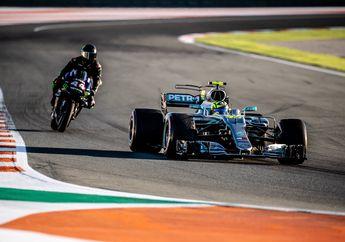 Wuih! Valentino Rossi Berasa Jadi Pembalap F1 Tulen Setelah Jajal Mobil F1 Milik Lewis Hamilton di Sirkuit