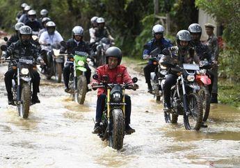 Naik Kawasaki W175 Bobber di Perbatasan Malaysia, Segini Harga Helm Arai Milik Jokowi