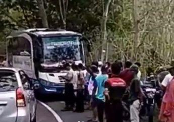 Kecelakaan Maut di Wonosari, Video Pelajar Tewas di Kolong Bus Usai Terjatuh dari Motornya, Warga Teriak Histeris