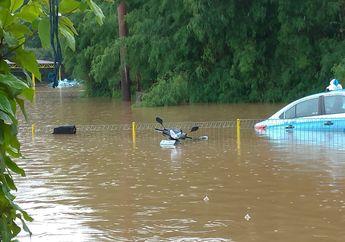 Biar Enggak Keluar Duit Banyak Jangan Lupa Kuras Tangki Bensin Motor yang Terendam Banjir