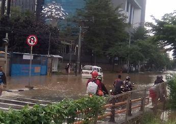 Pemotor Waspada Banjir, Jakarta dan Sekitarnya Dilanda Hujan, Berikut Prediksi BMKG Hari Ini