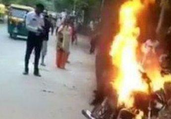 Jalanan Macet Warga Ketakutan, Pemotor Ngamuk Gak Terima Ditilang Polisi, Motor Sendiri Ludes Dibakar